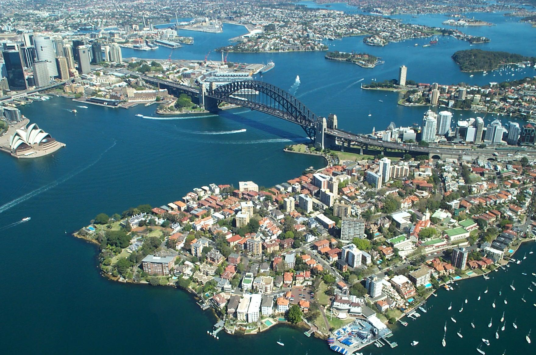 Sydney_Harbour_Bridge_from_the_air